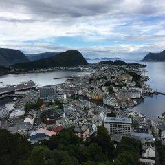 Отель Scandic Parken Норвегия, Олесунн - отзывы, цены и фото номеров - забронировать отель Scandic Parken онлайн приотельная территория фото 2