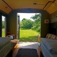 Отель Cob camp Ихтиман комната для гостей фото 4