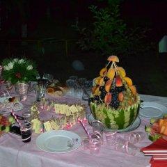 Отель Three Jugs B&B Ереван питание фото 3