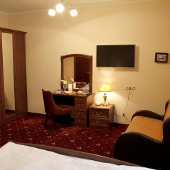 Гостиница Леонарт 3* Улучшенный номер с двуспальной кроватью фото 5