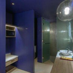 Отель Veranda Resort Pattaya MGallery by Sofitel сейф в номере