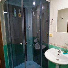 Гостевой дом Helen's Home Номер категории Эконом с 2 отдельными кроватями (общая ванная комната) фото 12