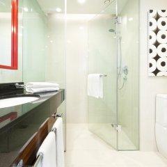 Отель Cinnamon RED Colombo Шри-Ланка, Коломбо - отзывы, цены и фото номеров - забронировать отель Cinnamon RED Colombo онлайн ванная фото 2