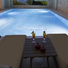 Ramada Hotel & Suites Atakoy Турция, Стамбул - 1 отзыв об отеле, цены и фото номеров - забронировать отель Ramada Hotel & Suites Atakoy онлайн бассейн фото 3