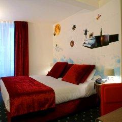 Отель Hôtel du Triangle d'Or 3* Стандартный номер с различными типами кроватей