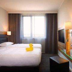 Отель Moxy Vienna Airport Стандартный номер с различными типами кроватей