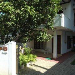 Отель Suramya Villa Шри-Ланка, Галле - отзывы, цены и фото номеров - забронировать отель Suramya Villa онлайн парковка