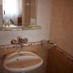 Отель Georgievi Guest House Болгария, Поморие - отзывы, цены и фото номеров - забронировать отель Georgievi Guest House онлайн ванная фото 2