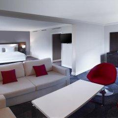 Отель Hilton Brussels Grand Place 4* Стандартный семейный номер с разными типами кроватей фото 5