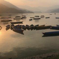 Отель Lotus Inn Непал, Покхара - отзывы, цены и фото номеров - забронировать отель Lotus Inn онлайн пляж фото 2