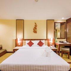 Отель Duangjitt Resort, Phuket 5* Номер Делюкс с двуспальной кроватью фото 19