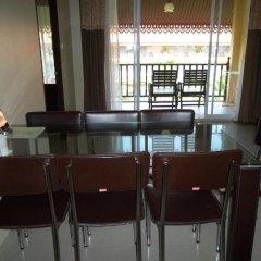 Отель Villa Thongbura гостиничный бар