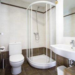 Отель Apartamentos Cuatro Torres ванная
