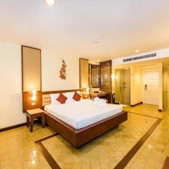 Отель Duangjitt Resort, Phuket 5* Номер Делюкс с двуспальной кроватью фото 6