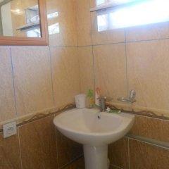 Отель B&B at Bailanysh Кыргызстан, Каракол - отзывы, цены и фото номеров - забронировать отель B&B at Bailanysh онлайн ванная