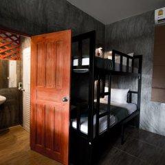 Blanco Hostel at Lanta Кровать в общем номере с двухъярусной кроватью фото 4