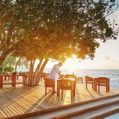 Отель LUX South Ari Atoll питание фото 3