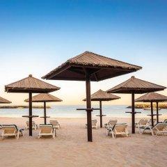 Отель Coral Beach Resort - Sharjah пляж