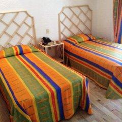 Sands Acapulco Hotel & Bungalows 2* Бунгало с разными типами кроватей фото 16