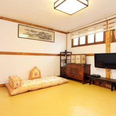 Отель Hyosunjae Hanok Guesthouse комната для гостей фото 3