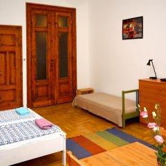 Pal's Hostel & Apartments Студия с различными типами кроватей