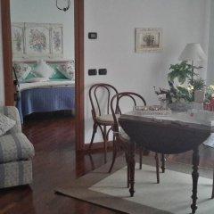 Отель Betì House Fiera Airport Guesthouse Апартаменты с различными типами кроватей фото 26