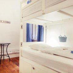Lisbon Chillout Hostel Privates Стандартный номер с различными типами кроватей фото 3