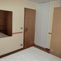 Отель Casa Erica Карано сейф в номере