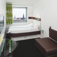Отель Wakeup Copenhagen - Carsten Niebuhrs Gade 2* Стандартный номер с различными типами кроватей фото 4
