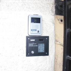 Апартаменты Sunny Esplanade by Old Town сейф в номере