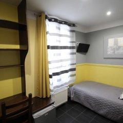 Hotel Des Pyrenees Париж комната для гостей фото 14