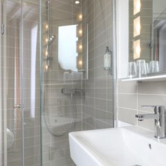 Отель Contact ALIZE MONTMARTRE 3* Стандартный номер с различными типами кроватей фото 12