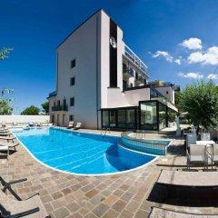 Ferretti Beach Hotel бассейн фото 2