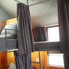 Отель Gold Night 2* Кровать в общем номере фото 11