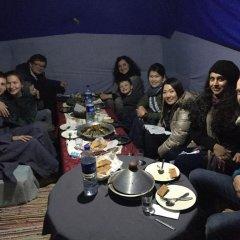 Отель Merzouga Desert Camp Марокко, Мерзуга - отзывы, цены и фото номеров - забронировать отель Merzouga Desert Camp онлайн питание