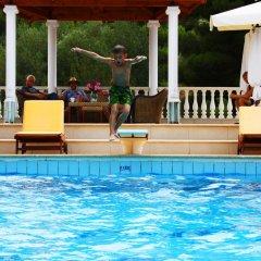 Отель Villa Askamnia Deluxe бассейн