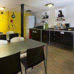 Corner Hostel в номере