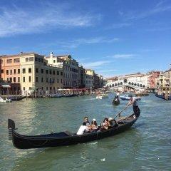Отель Guesthouse Alloggi Agli Artisti Венеция приотельная территория