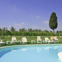 Отель Artisti Италия, Эмполи - отзывы, цены и фото номеров - забронировать отель Artisti онлайн бассейн фото 2