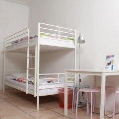 Brussel Hello Hostel Кровать в общем номере с двухъярусной кроватью фото 6