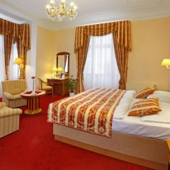 Отель Danubius Health Spa Resort Hvězda-Imperial-Neapol 4* Улучшенный номер с двуспальной кроватью фото 5