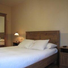 Отель Hostal LK Стандартный номер с двуспальной кроватью