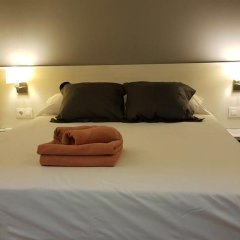 Отель Hostalin Barcelona Gran Via 3* Номер с общей ванной комнатой с различными типами кроватей (общая ванная комната) фото 2