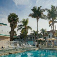 Отель Pacific Crest Hotel Santa Barbara США, Санта-Барбара - отзывы, цены и фото номеров - забронировать отель Pacific Crest Hotel Santa Barbara онлайн бассейн фото 3