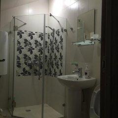 Гостиница Guest House in Dombay в Домбае отзывы, цены и фото номеров - забронировать гостиницу Guest House in Dombay онлайн Домбай ванная