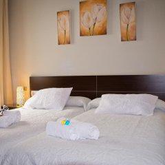 Отель Hostal La Muralla Стандартный номер с различными типами кроватей фото 17