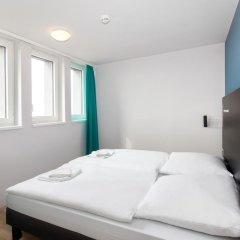 Отель A&O Prague Rhea 3* Стандартный номер с различными типами кроватей фото 7