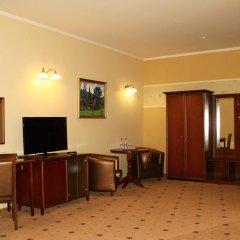 Гостиница Гранд-отель Пилипец Украина, Поляна - отзывы, цены и фото номеров - забронировать гостиницу Гранд-отель Пилипец онлайн удобства в номере фото 2
