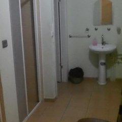 Route 39 - Hostel Стандартный номер двуспальная кровать (общая ванная комната) фото 4