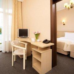 Гостиница Санаторно-курортный комплекс Знание 3* Семейный номер Комфорт с разными типами кроватей фото 4